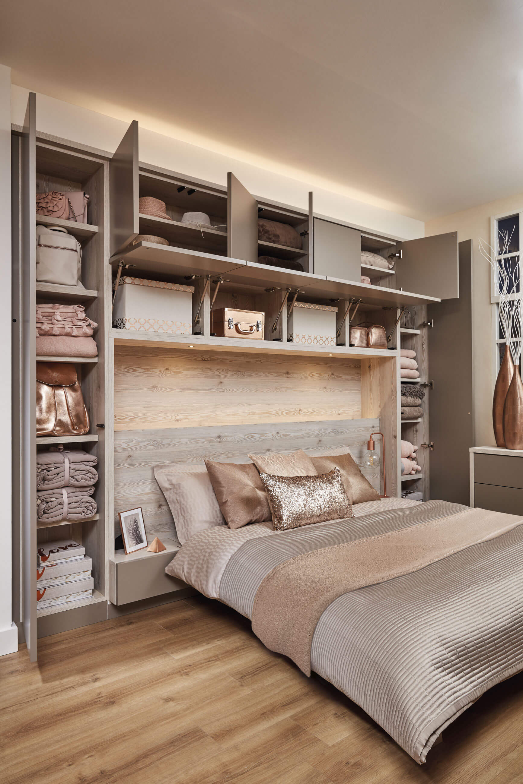 Stair Box In Bedroom: Contemporary Willow Bedroom
