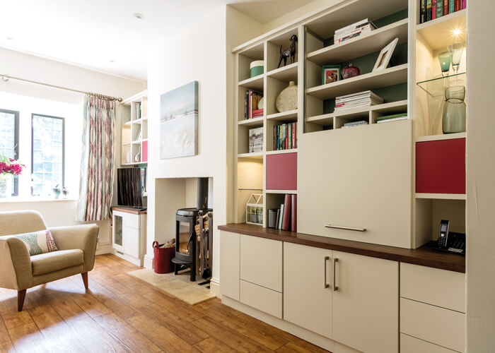 Open Shelves Make The Most Of This Narrow Alcove Perfect: Stylish Open Plan Living